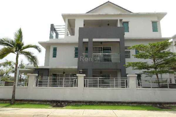 For Sale Terrace at Royale Palms, Putra Heights Freehold Semi Furnished 6R/6B 2.4m