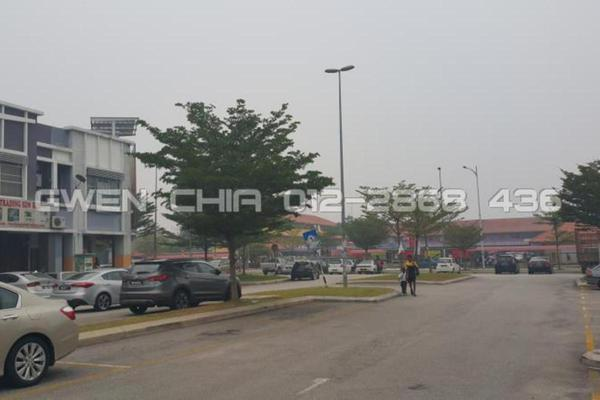 For Sale Shop at Kemuning Utama Commercial Centre, Kemuning Utama Freehold Unfurnished 0R/1B 1.2m