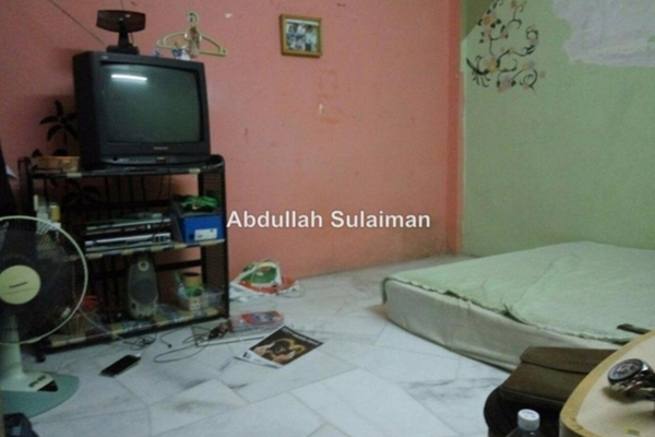 For Sale Apartment at Taman Dato Ahmad Razali, Ampang Leasehold Semi Furnished 2R/1B 130k