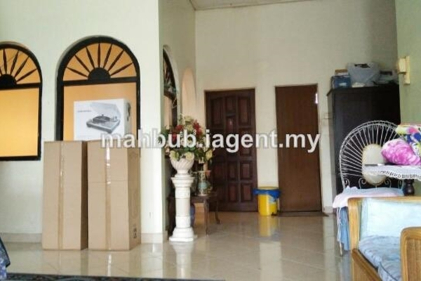 For Sale Bungalow at SS7, Kelana Jaya Leasehold Semi Furnished 6R/4B 4.3m