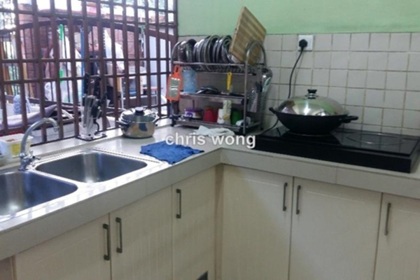 For Sale Terrace at Puchong Hartamas, Puchong Freehold Semi Furnished 4R/3B 810k