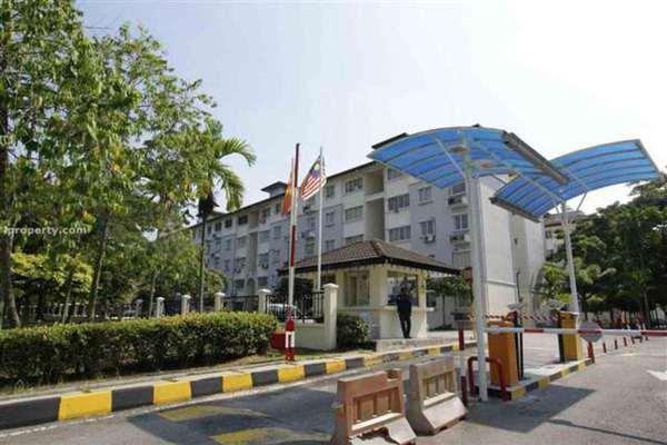 For Rent Apartment at Sri Cempaka Apartment, Bandar Puchong Jaya Freehold Unfurnished 3R/2B 900translationmissing:en.pricing.unit