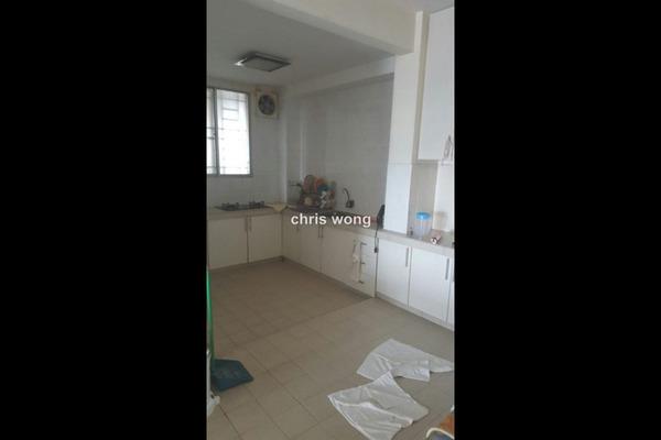 For Sale Condominium at Kinrara Mas, Bukit Jalil Freehold Semi Furnished 3R/2B 430k