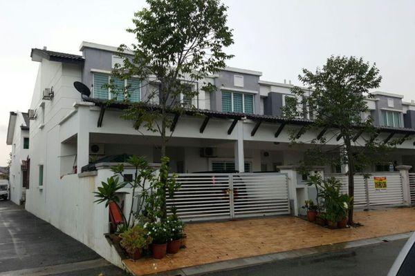 For Sale Terrace at Berjaya Park, Shah Alam Freehold Semi Furnished 4R/4B 680k