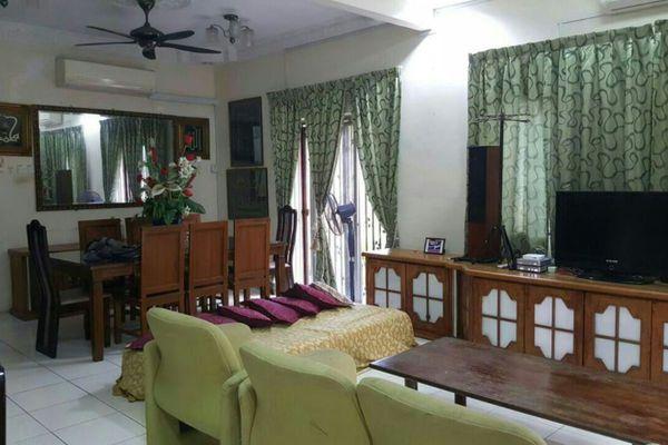 For Sale Terrace at Bandar Saujana Utama, Sungai Buloh Leasehold Semi Furnished 4R/3B 650k