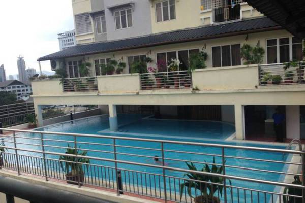 For Sale Condominium at D-Villa Residence, Ampang Hilir Freehold Semi Furnished 2R/2B 920k