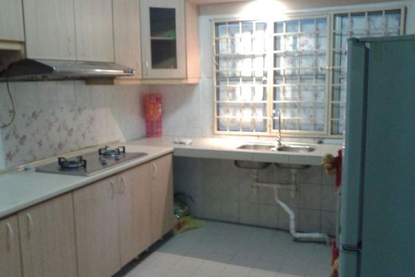 For Sale Condominium at Endah Ria, Sri Petaling Leasehold Semi Furnished 3R/2B 470k