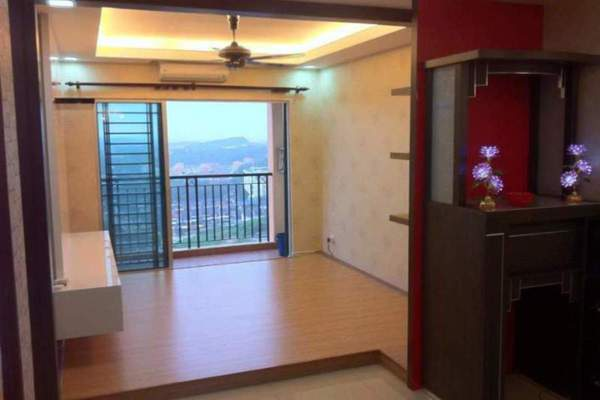 For Sale Condominium at Connaught Avenue, Cheras Leasehold Semi Furnished 3R/2B 470k