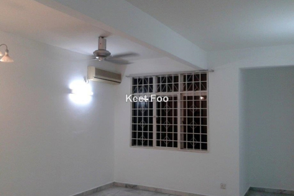 For Sale Apartment at Goodyear Court 7, UEP Subang Jaya Freehold Semi Furnished 3R/2B 468k