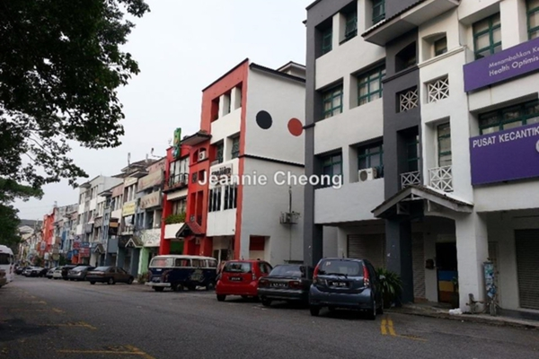 For Rent Shop at SD7, Bandar Sri Damansara Freehold Semi Furnished 0R/1B 3.8k