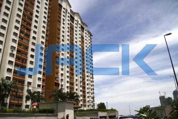 For Sale Condominium at Flora Damansara, Damansara Perdana Leasehold Unfurnished 3R/2B 220k