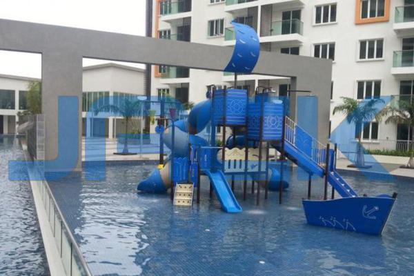 For Sale Condominium at Hijauan Saujana, Saujana Freehold Semi Furnished 3R/2B 820k