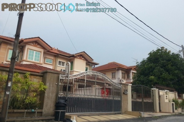 For Sale Semi-Detached at Taman Pinggiran Putra, Bandar Putra Permai Leasehold Semi Furnished 5R/3B 960k
