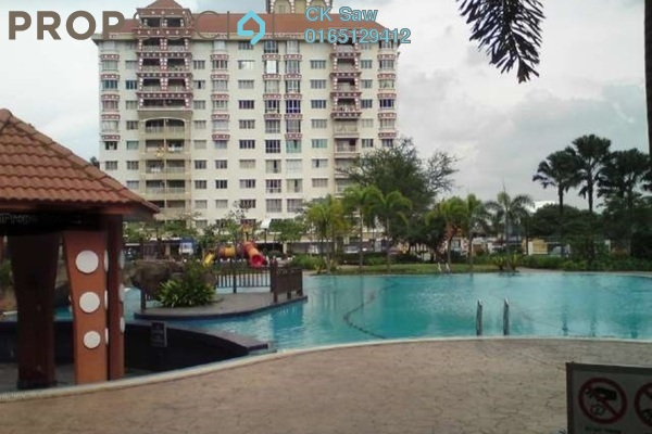 For Sale Condominium at Koi Tropika, Puchong Leasehold Unfurnished 2R/1B 320k