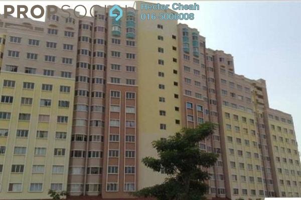 For Sale Condominium at Desaminium Flora, Bandar Putra Permai Leasehold Semi Furnished 3R/2B 200k