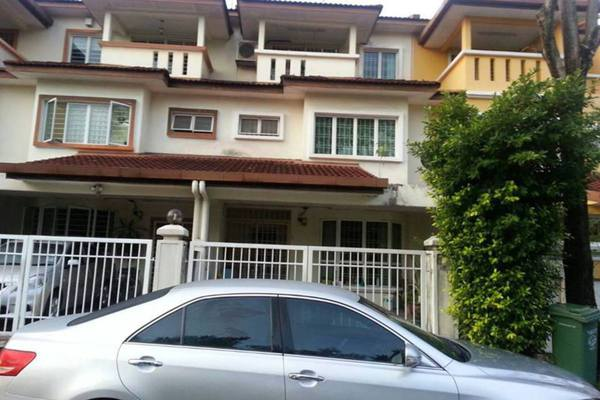 For Rent Terrace at Taman Megah, Kepong Freehold Semi Furnished 5R/4B 2.6k