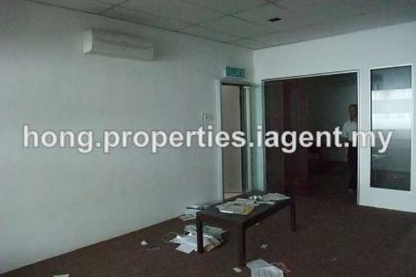 For Rent Shop at Velodrome Business Park, Bandar Sri Permaisuri Freehold Unfurnished 0R/0B 18k