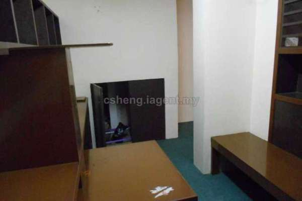 For Rent Office at Taman Sri Batu Caves, Batu Caves Freehold Unfurnished 1R/1B 1k