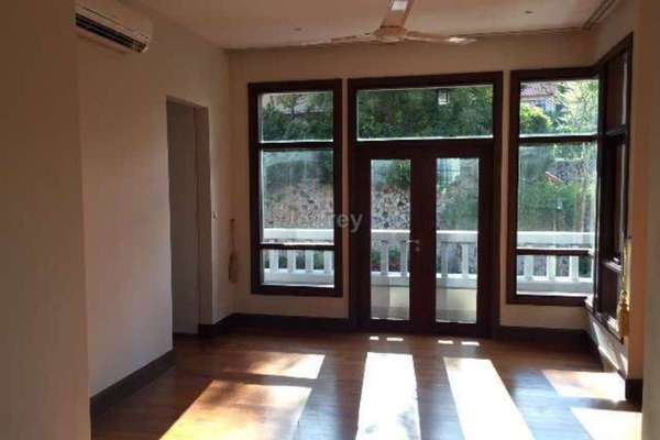 For Sale Bungalow at Kiara Hills, Mont Kiara Freehold Semi Furnished 5R/7B 7.5m