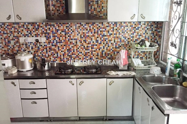 For Sale Bungalow at Jelutong Villa, Damansara Heights  Semi Furnished 6R/6B 9.5m