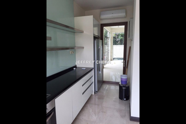 For Sale Semi-Detached at Amarin Kiara, Mont Kiara Freehold Semi Furnished 5R/6B 4m