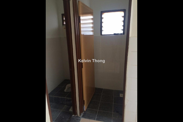 For Sale Terrace at BK4, Bandar Kinrara Freehold Semi Furnished 3R/2B 398k