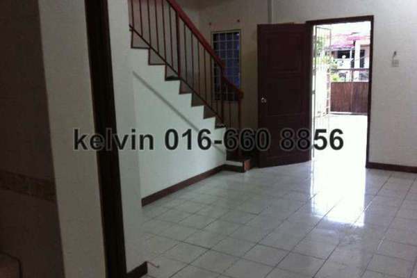 For Sale Terrace at Aman Putri, Sungai Buloh Freehold Semi Furnished 4R/3B 398k
