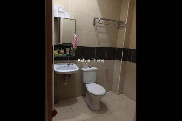 For Sale Terrace at Taman Sri Putra, Sungai Buloh Freehold Semi Furnished 4R/2B 630k