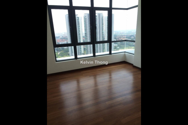 For Sale Serviced Residence at Tropicana Avenue, Tropicana Freehold Semi Furnished 3R/3B 1.4m