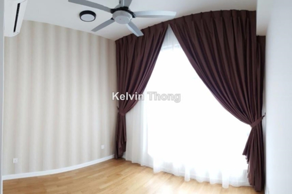 For Sale Condominium at Urbana Residences @ Ara Damansara, Ara Damansara  Semi Furnished 2R/2B 650k