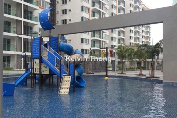 For Sale Condominium at Hijauan Saujana, Saujana Freehold Semi Furnished 3R/2B 728k