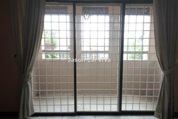 For Sale Terrace at Taman Nusa Subang, Subang Leasehold Semi Furnished 4R/3B 999k