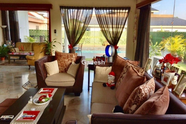 For Sale Bungalow at Section 11, Shah Alam Leasehold Semi Furnished 5R/5B 1.88m