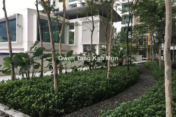 For Sale Condominium at The Zest, Bandar Kinrara Leasehold Semi Furnished 3R/2B 550k