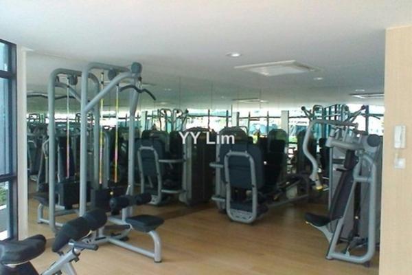 For Sale Condominium at AraGreens Residences, Ara Damansara Freehold Semi Furnished 2R/3B 950k