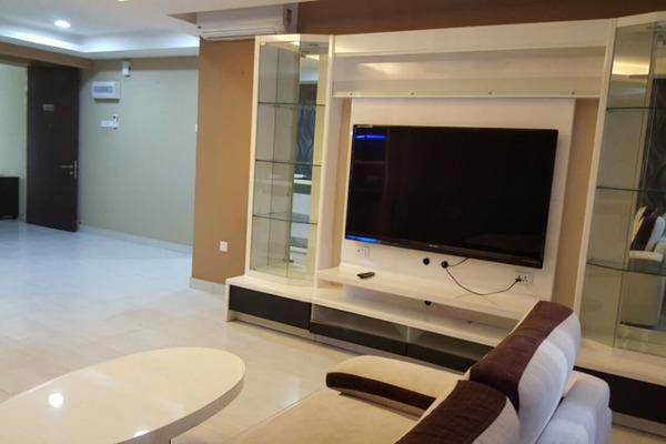 For Sale Condominium at Koi Kinrara, Bandar Puchong Jaya Freehold Fully Furnished 3R/3B 578k