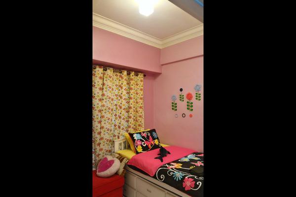 For Sale Condominium at Sterling, Kelana Jaya Leasehold Semi Furnished 3R/2B 735k