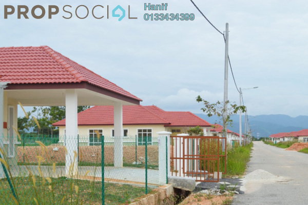 For Sale Bungalow at Mahkota Hills, Mantin Freehold Unfurnished 3R/2B 320k