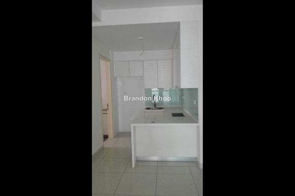 For Sale Condominium at Isola, Subang Jaya Leasehold Semi Furnished 2R/2B 830k