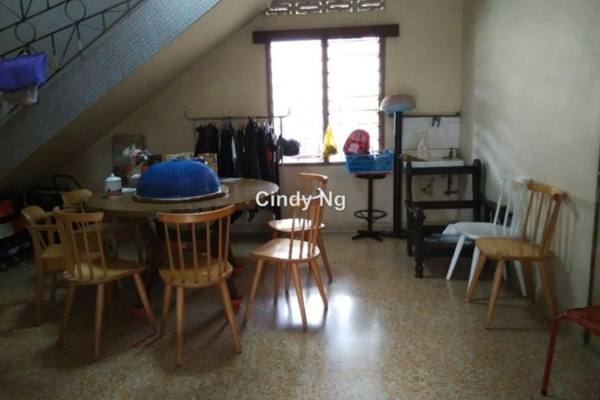 For Sale Bungalow at Section 10, Petaling Jaya Leasehold Semi Furnished 7R/6B 2.4m