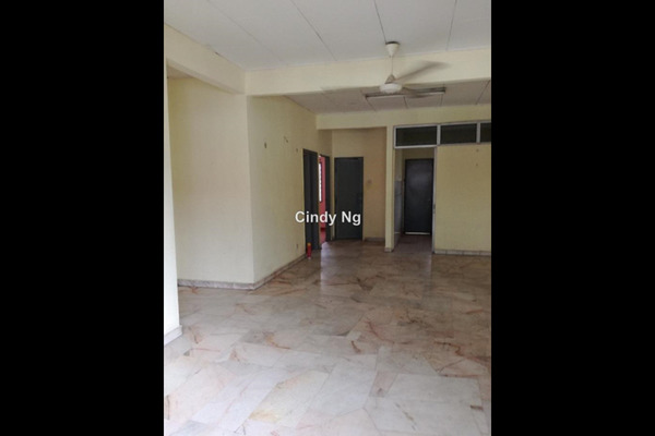 For Sale Apartment at Goodyear Court 3, UEP Subang Jaya Leasehold Unfurnished 3R/2B 310k