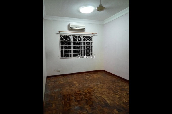 For Sale Apartment at Goodyear Court 9, UEP Subang Jaya Leasehold Semi Furnished 3R/2B 450k