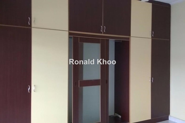 For Sale Terrace at BK5, Bandar Kinrara Leasehold Unfurnished 4R/3B 750k