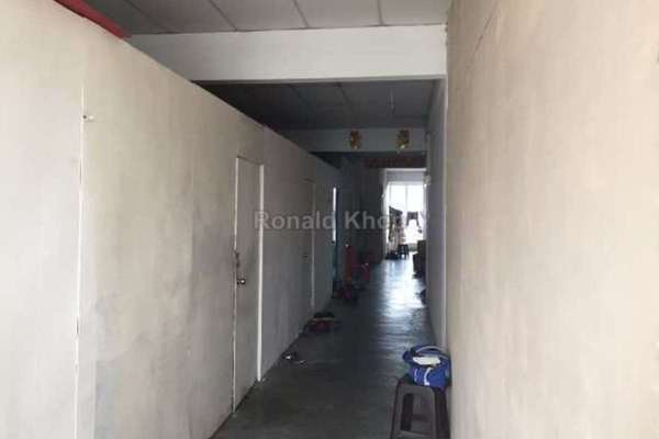 For Sale Shop at Puteri 2, Bandar Puteri Puchong Leasehold Unfurnished 0R/0B 499k