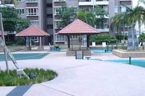 For Sale Condominium at Ampang Boulevard, Ampang Leasehold Semi Furnished 3R/2B 508k