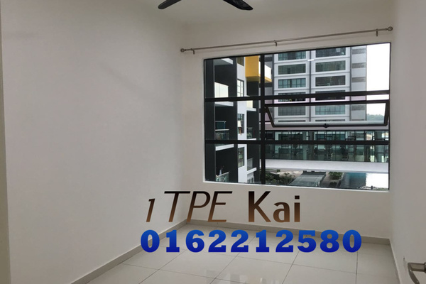 For Sale Condominium at Zeva, Bandar Putra Permai Leasehold Unfurnished 2R/2B 430k