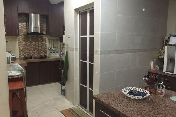 For Sale Terrace at Section 7, Shah Alam Leasehold Semi Furnished 4R/3B 790k