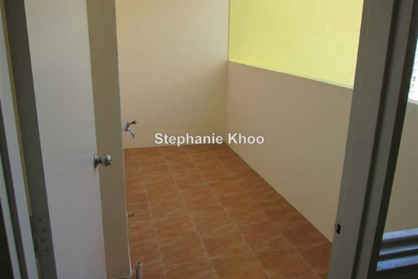 For Sale Condominium at Platinum Lake PV15, Setapak Leasehold Semi Furnished 4R/2B 540k