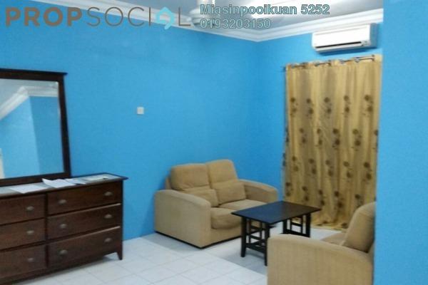 For Rent Apartment at Vista Pinggiran, Bandar Putra Permai Leasehold Semi Furnished 3R/2B 1.1k