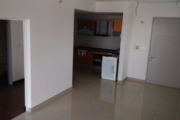 For Rent Condominium at Hijauan Saujana, Saujana Freehold Semi Furnished 1R/1B 2k